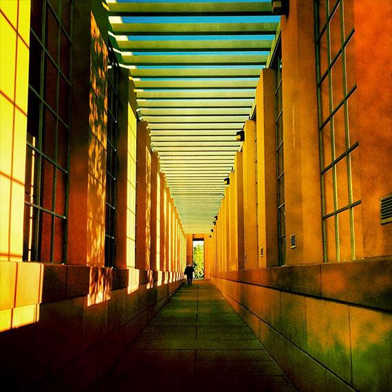 clark_county_library_walkway_570