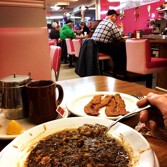 comfort_food_dinner_at_vickie_570
