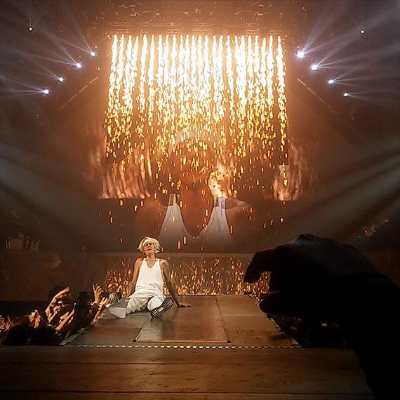 desiree_sheck_justin_concert_570