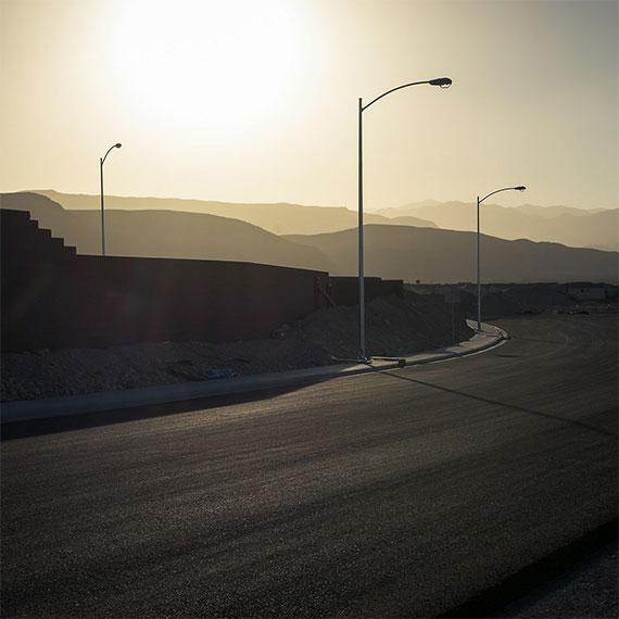 gelliott_suburban_street_570