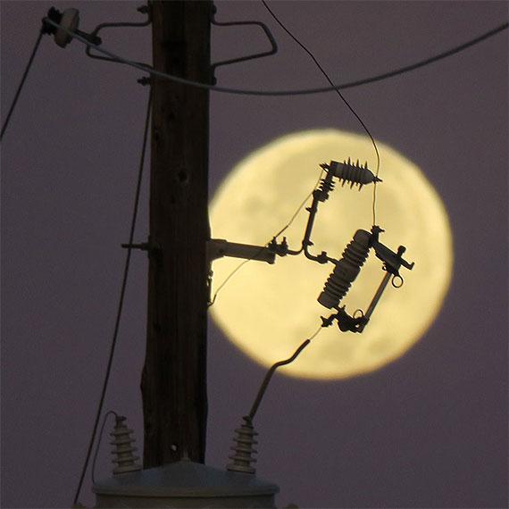 jmiller_electric_full_moon_570