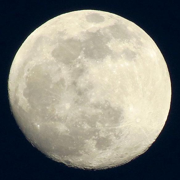 jmiller_may_12_near_full_moon_584