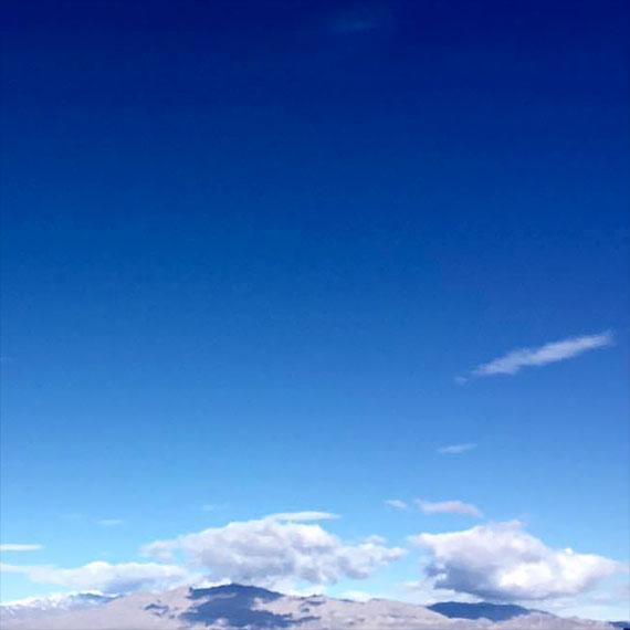 lstamanis_blue_sky_570