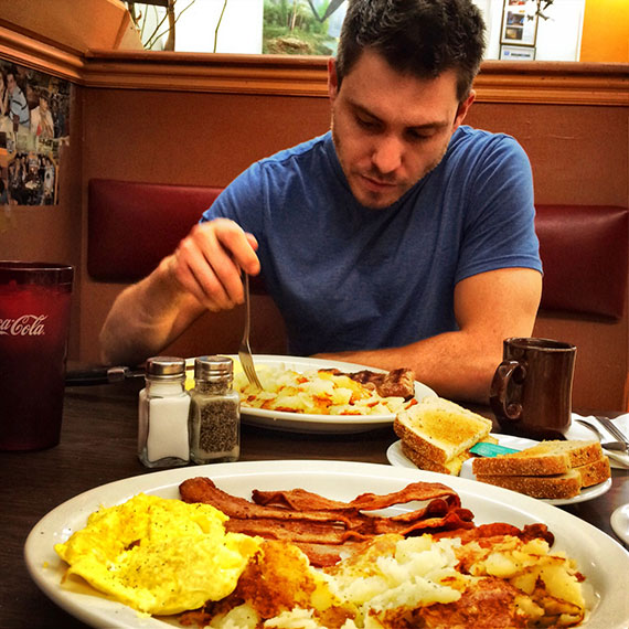 matt_dora_vickis_breakfast_570