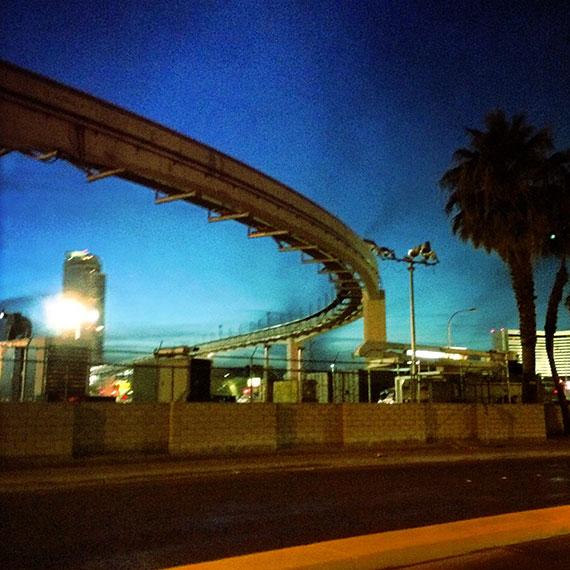 monorail_4679_570