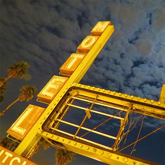 motel_feb_full_moon_570