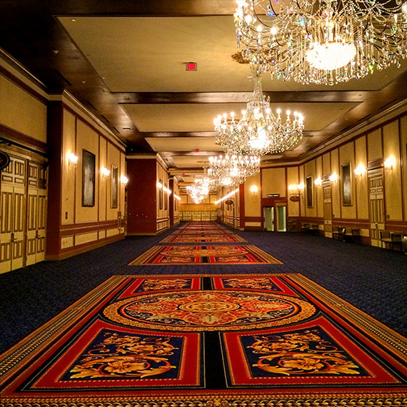 paris_hallway_new_carpet_570
