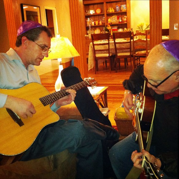 passover_guitarists_brian_weiss_arte_nathan_600