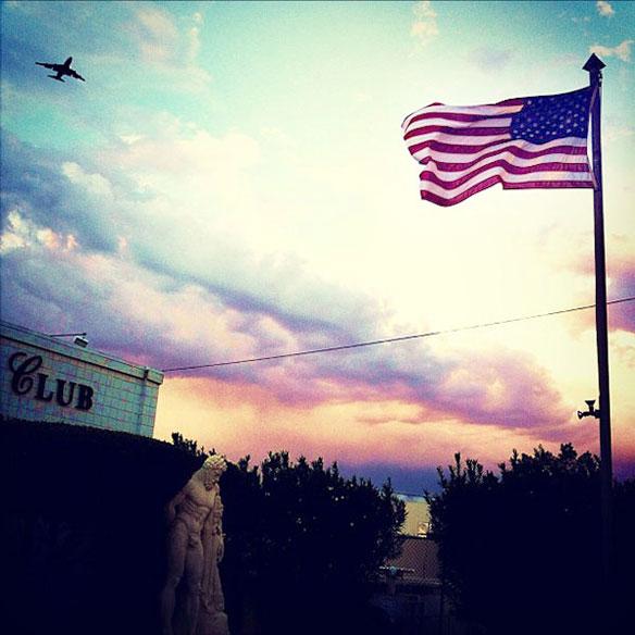 plane_club_flag_584