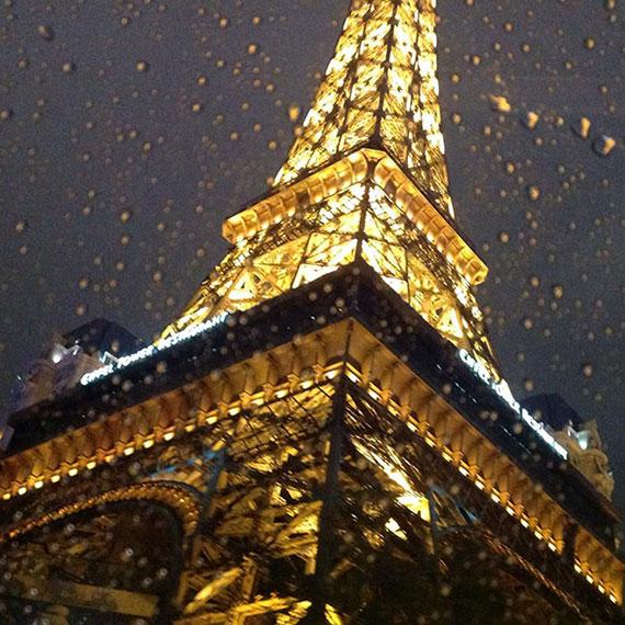 sailor_helms_tour_eiffel_rain_570