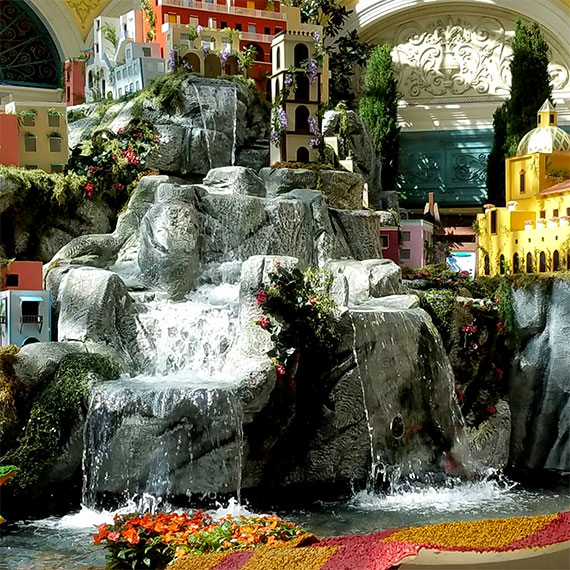 sdouglas_bellagio_garden_summer_display_2_570
