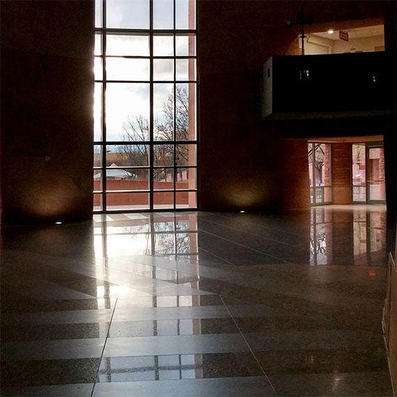 sdouglas_govt_building_interior_570