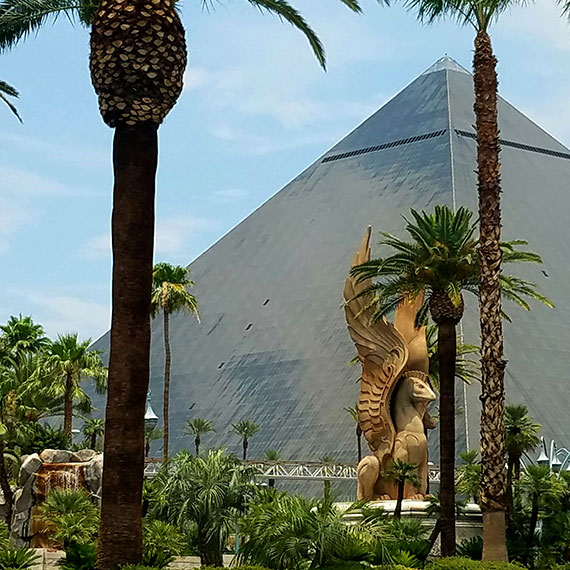 sdouglas_pyramid_570