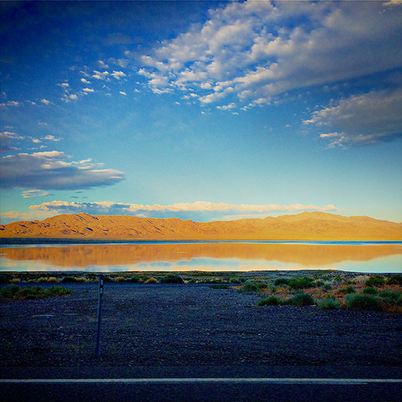 walker_lake_reflection_570