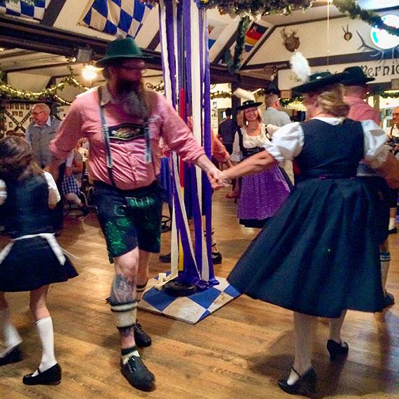 may_pole_dance_0404_570