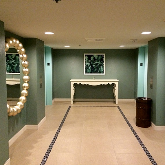 jwinet_downtown_grand_hallway_570