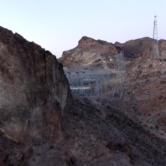 jwinet_near_hoover_dam_near_dusk_2_570