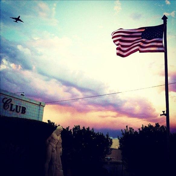 plane_club_flag_600