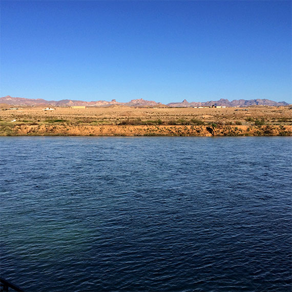 jwinet_colorado_river_view_from_laughlin_570