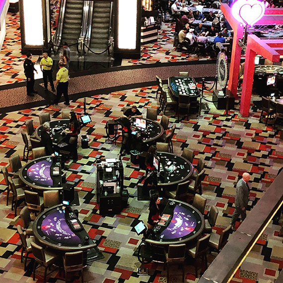 planet_hollywood_tables_570