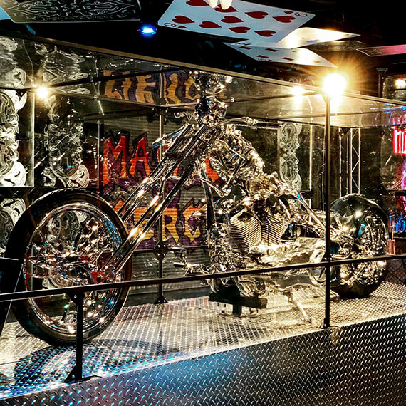 planet_hollywood_chrome_cycle_570