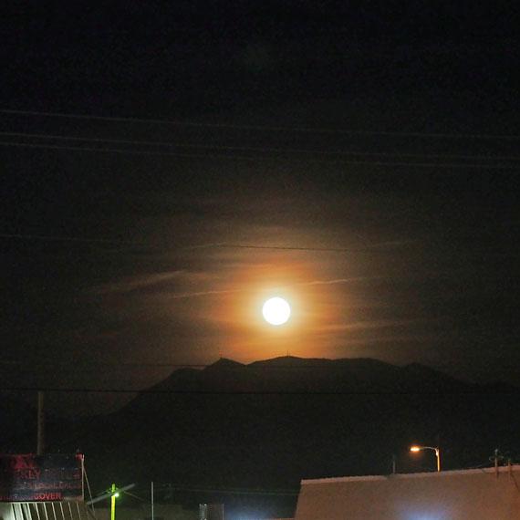 boulder_hwy_moonrise_570
