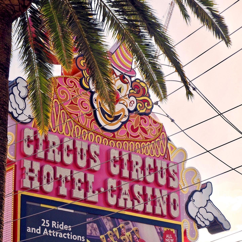 circus_circus_clown_marquee_570