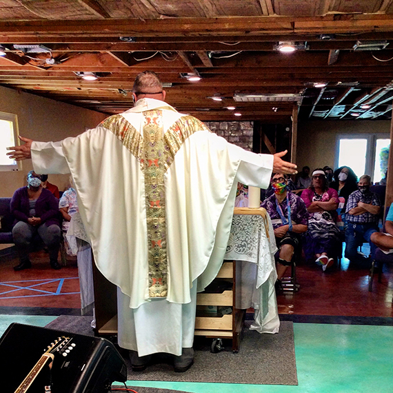 This image has an empty alt attribute; its file name is pastor_rob_love_mcc_easter_570.jpg